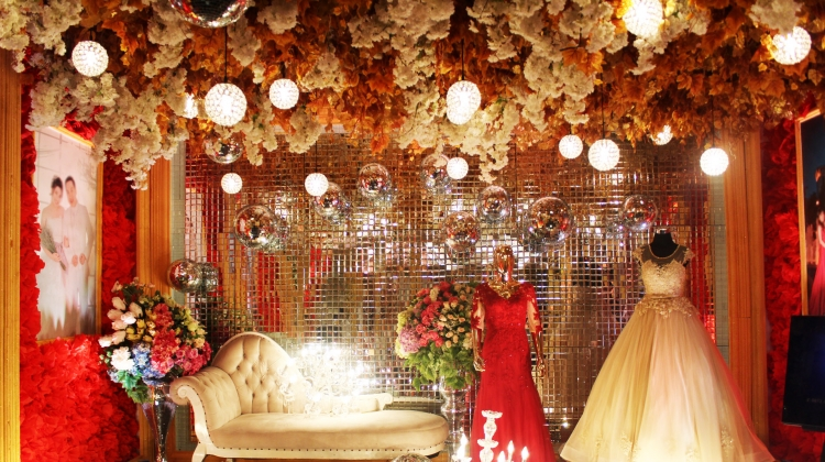 Adimulia hotel medan masterpiece of elegancy touch traditional wedding junglespirit Image collections